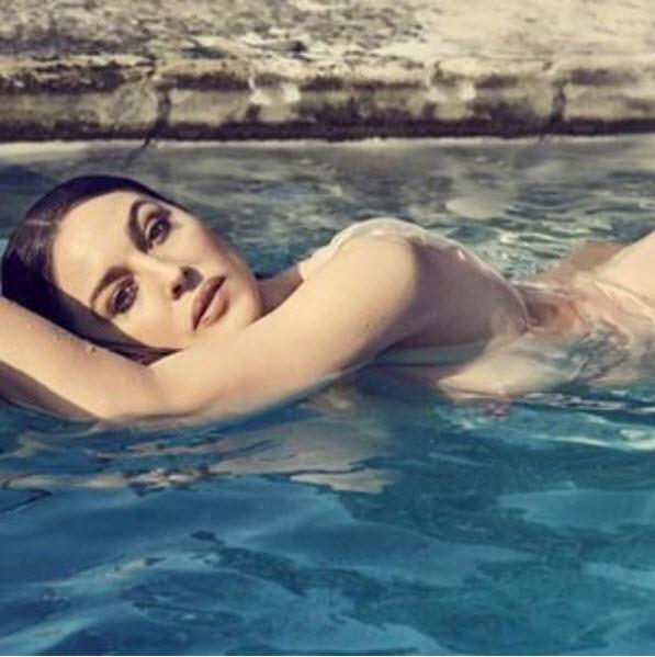 Моника Белучи с еротична фотосесия за френско списание