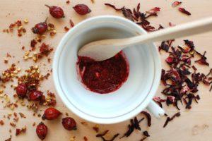 diy-face-mask-rosehip-hibiscus