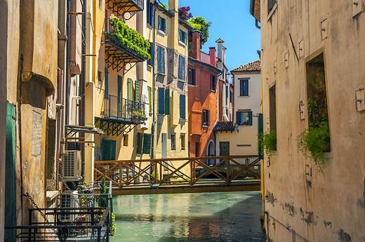 treviso-italy-canal