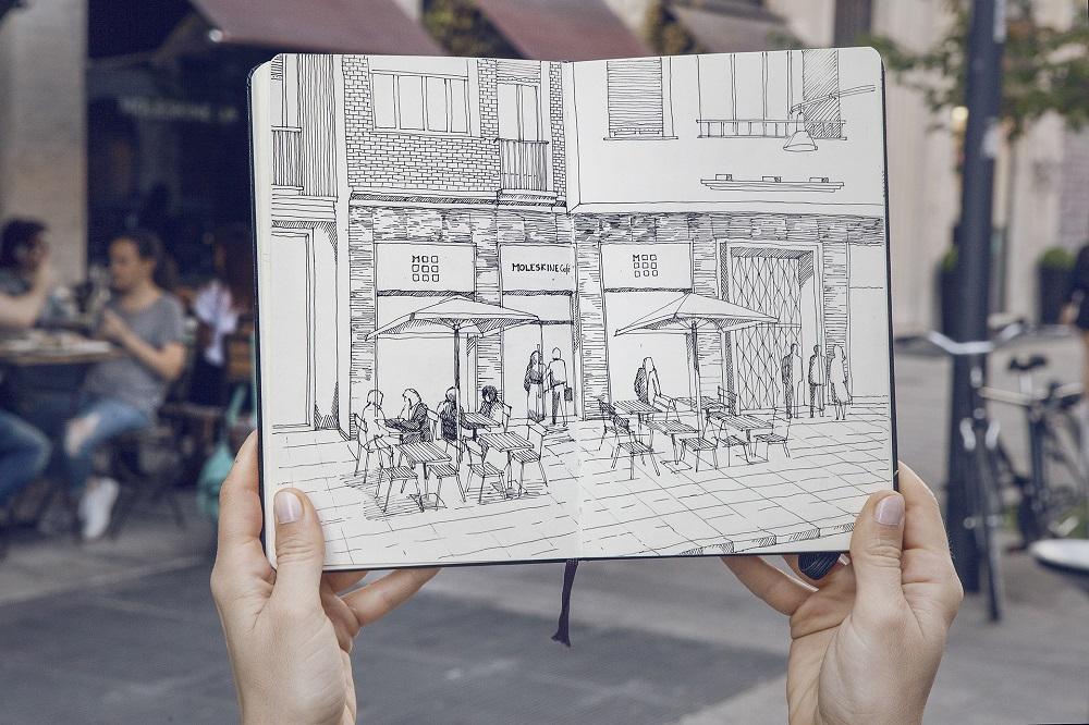 Moleskine Café с елементи на изкуство в Милано