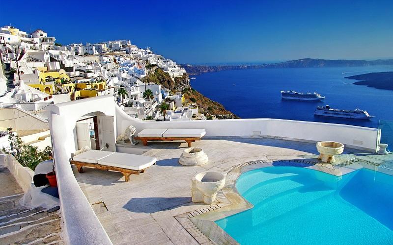Синьо-бяло гръцко лято