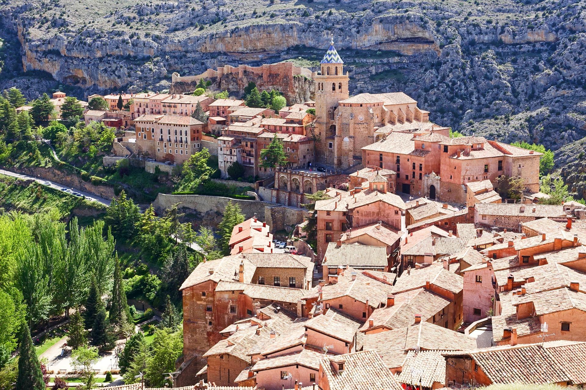 Албарасин от върха на Испания