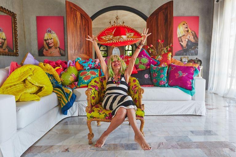 Бетси Джонсън има изненада! 100 процента дизайнерско Airbnb