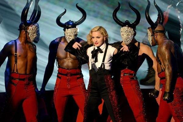 Мадона в 10 иконични аутфита