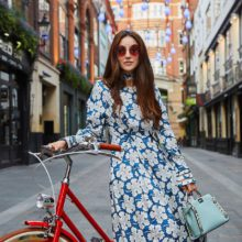 Изненадите на Fendi – ново лого, колело и троен модел чанта