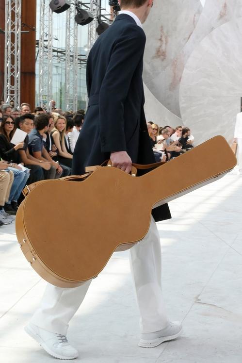 Творенията на Ким Джоунс за Louis Vuitton и историята им, която приключи