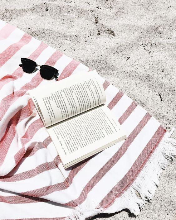 5 задължителни неща за плажната чанта
