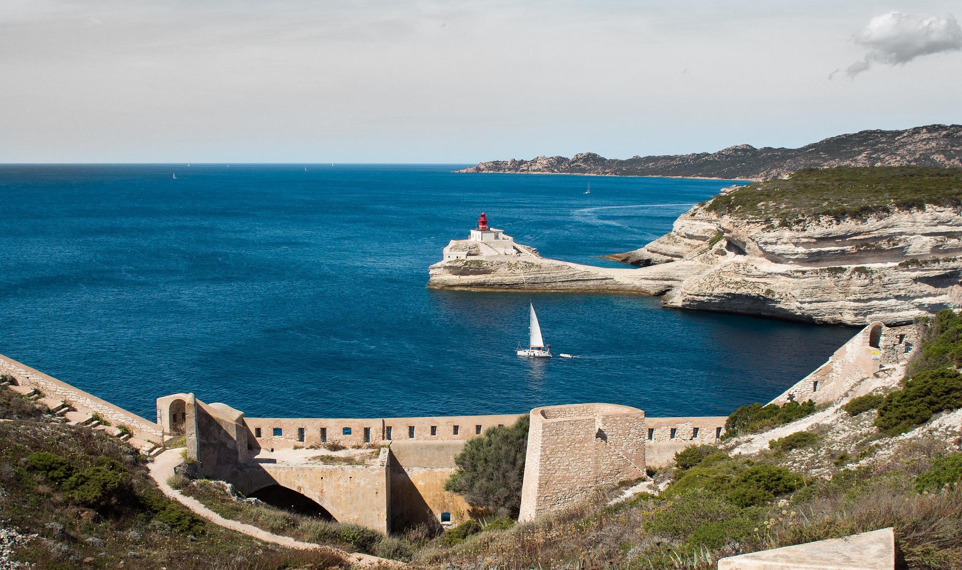 5 причини да посетите Корсика