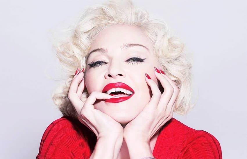 Кралицата Мадона на 60 години!