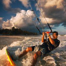 Момчетата, които летят на кайт сърф