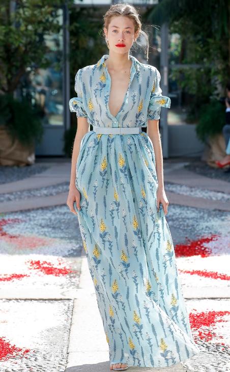 Лятото на дългите флорални рокли