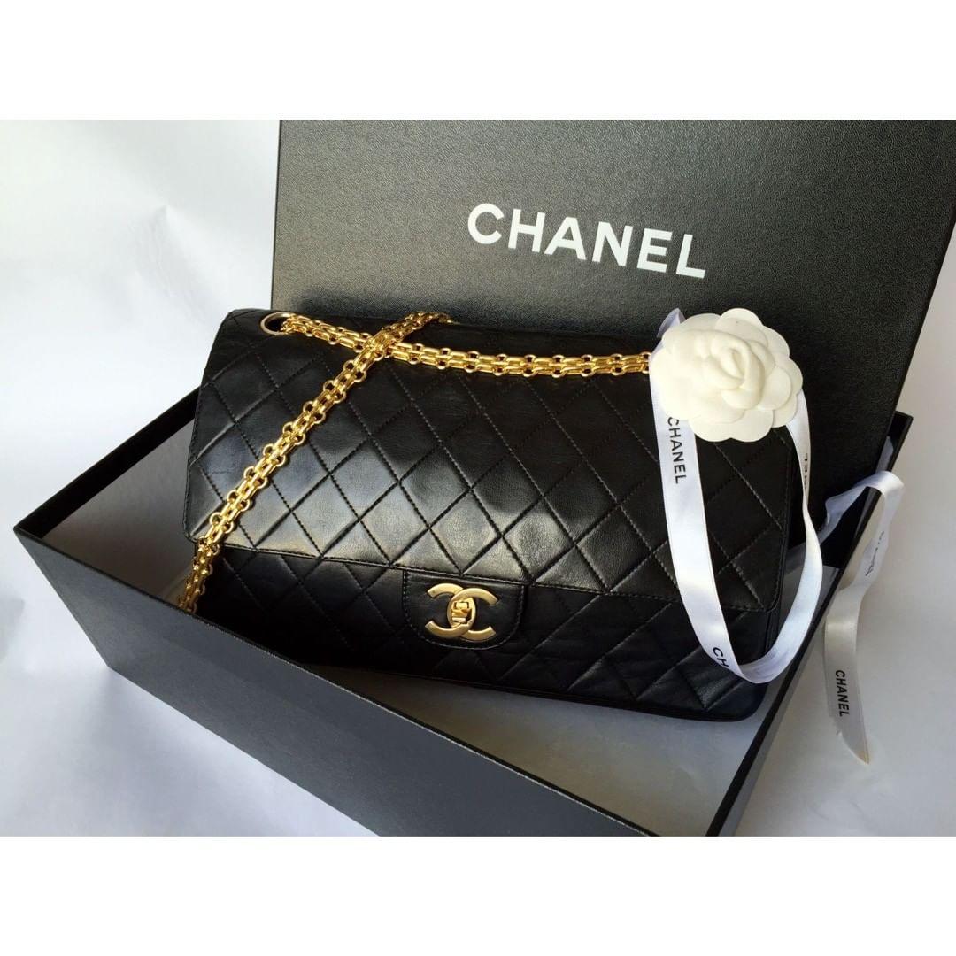 Историята на едно бижу: Chanel 2.55