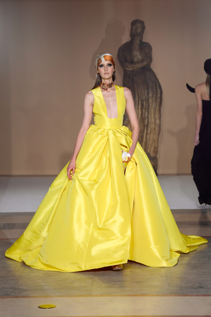 Урок по висша мода със Stéphane Rolland