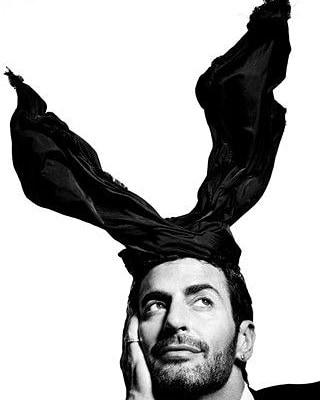 Странно (не)съвършеният Marc Jacobs става на 56!