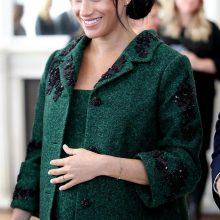 """Кралското бебе"" е тук! Меган Маркъл и Принц Хари посрещнаха първата си рожба тази сутрин"