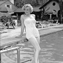 Ретро вдъхновения: Какъв е бил най-модерният модел бански през годината, в която сте родени
