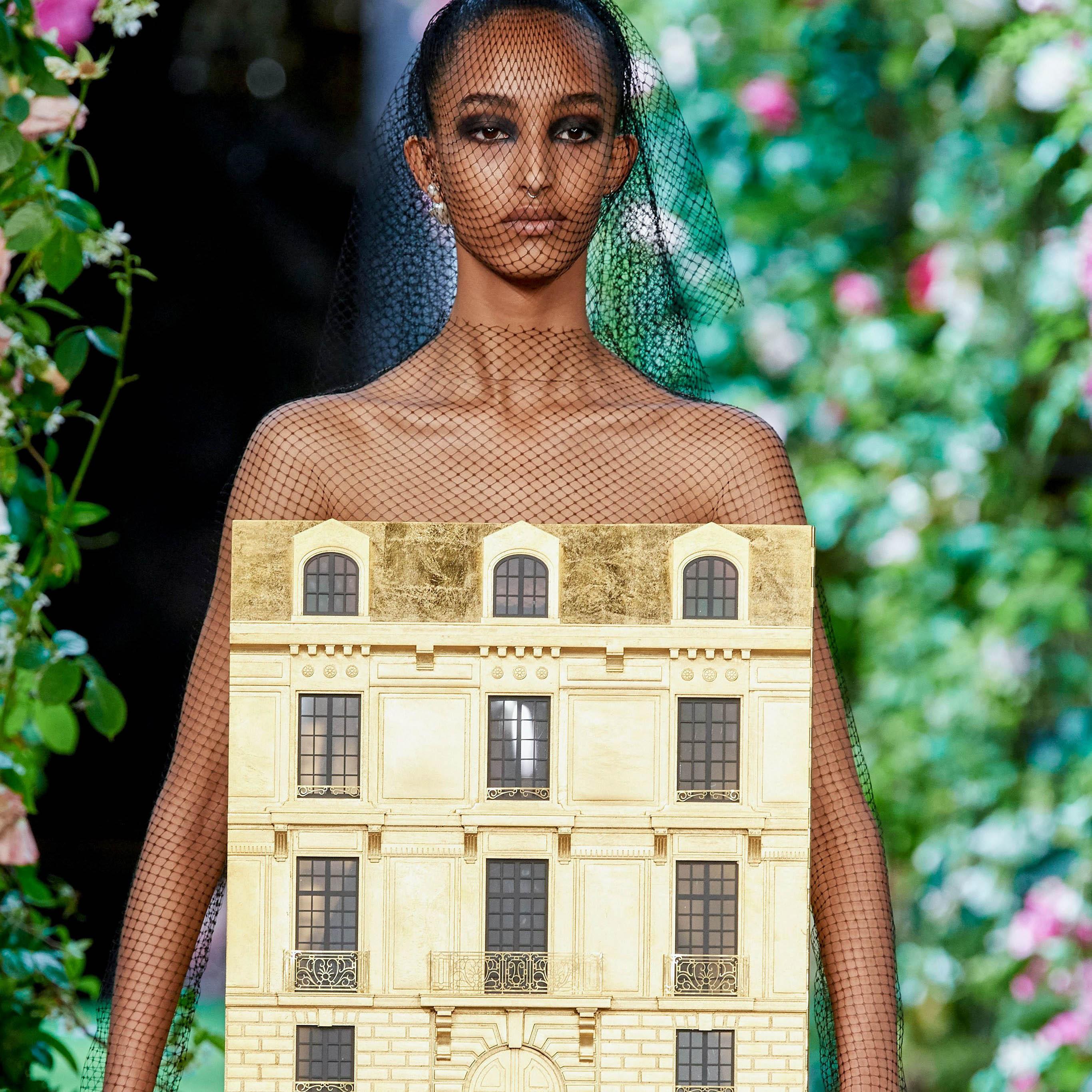 Armani, Givenchy, Dior – 3 модни къщи, една кутюр приказка