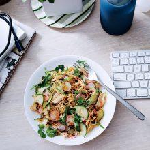 Из живота на едно работещо момиче: Здравословно хранене в офиса
