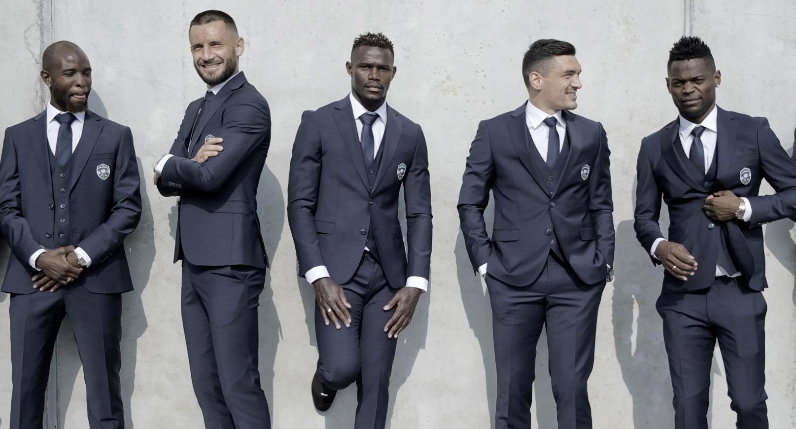 """Модният бранд """"Теодор"""" създаде официална линия за шампиони"""