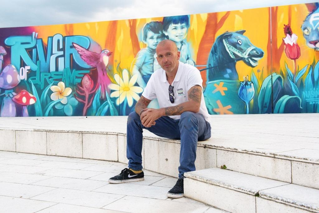 """Станислав Трифонов-Nassimo: """"Когато съм влюбен и рисувам, се случва най-мощната магия"""""""