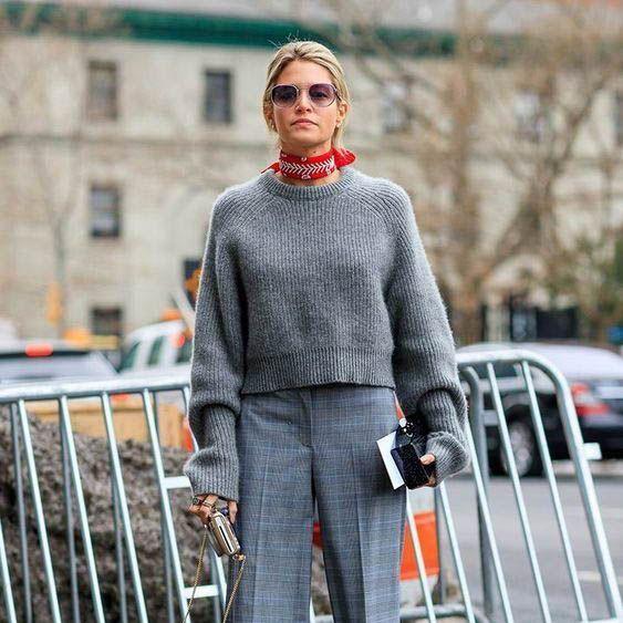 Поздрави от Париж: Как да носим пуловери, като французойките?