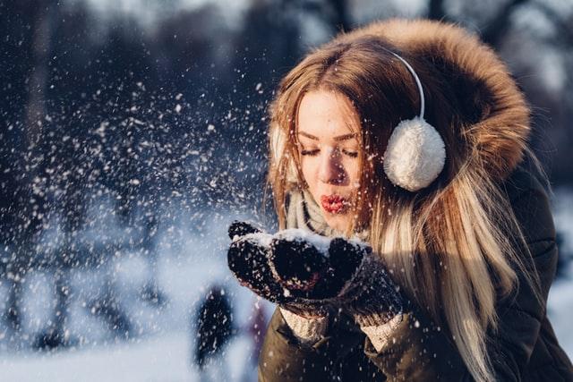 Baby, It's Cold Outside или Как правилно да се грижим за кожата си през зимата