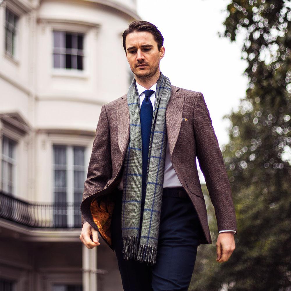 Точка на кипене: Мъжете и техните шалове
