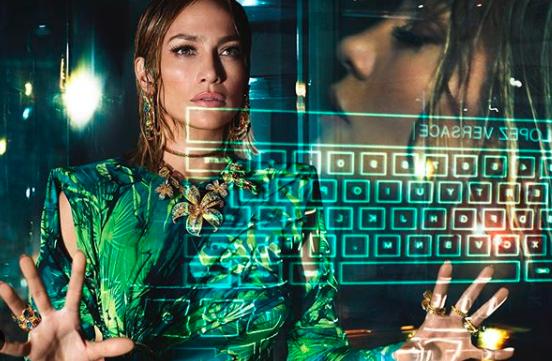 Дженифър Лопес е новото лице на Versace