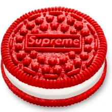 Снимка на деня: Oreo или Supreme