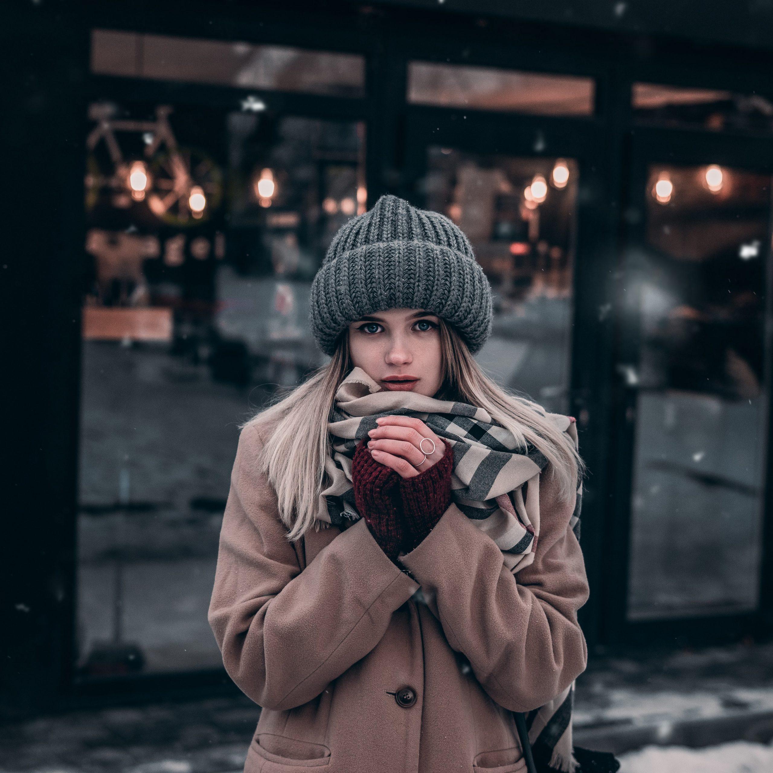 Зима в косите или Как да запазим обема под шапка