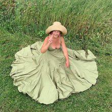 Снимка на деня: Баба Лилин – новият модел на Jacquemus