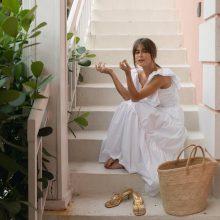 Лятно безгрижие: Голямата бяла рокля