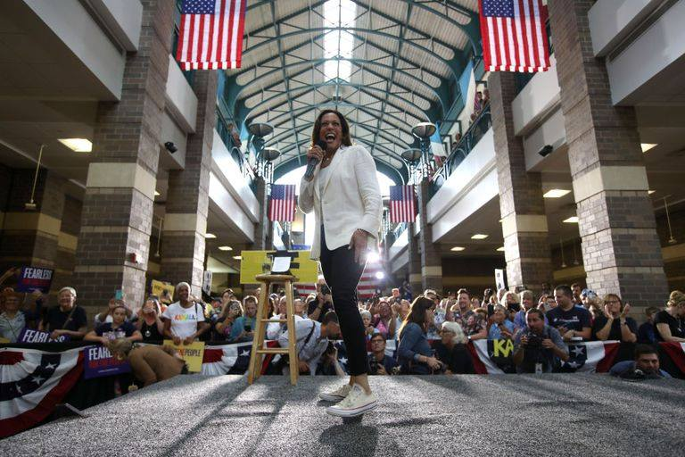 Камaла Харис – още една женска победа