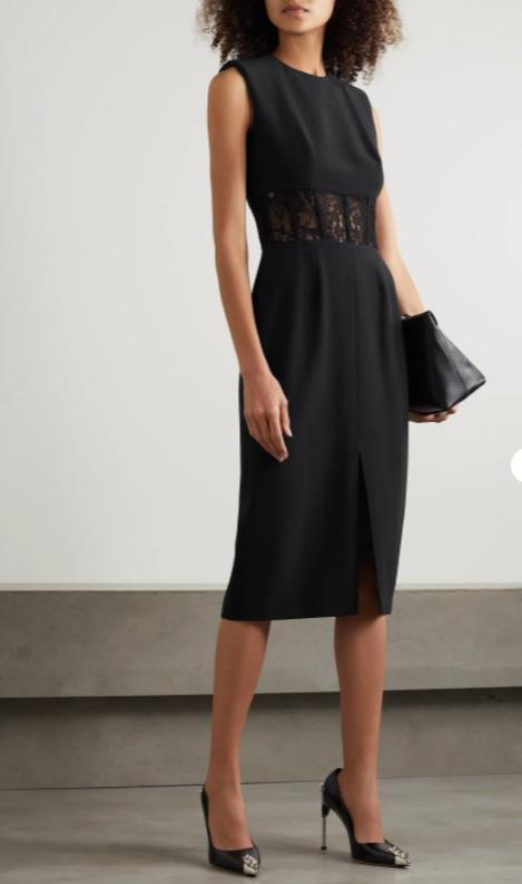 Черна рокля от ALEXANDER MCQUEEN
