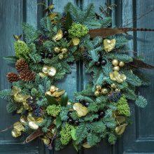 Коледният венец: елегантен начин да внесем уют у дома