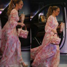 Снимка на деня: JLo в романтиката на Valentino